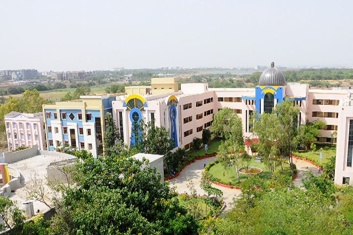 https://cache.careers360.mobi/media/colleges/social-media/media-gallery/2509/2019/3/15/Campus view of St Martins Engineering College Secunderabad_Campus-view.jpg