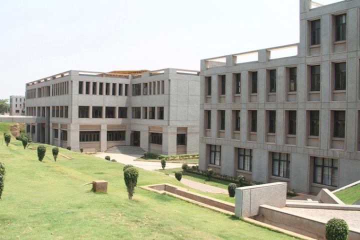 https://cache.careers360.mobi/media/colleges/social-media/media-gallery/2528/2018/7/30/Sri-Krishna-College-of-Technology-Coimbatore1.jpg