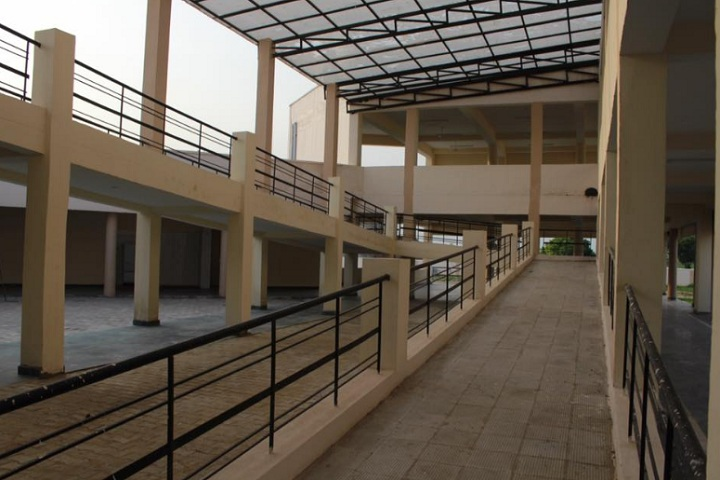 https://cache.careers360.mobi/media/colleges/social-media/media-gallery/25282/2020/3/19/Inside Campus of University College Bahadurpur_Campus-View.jpg