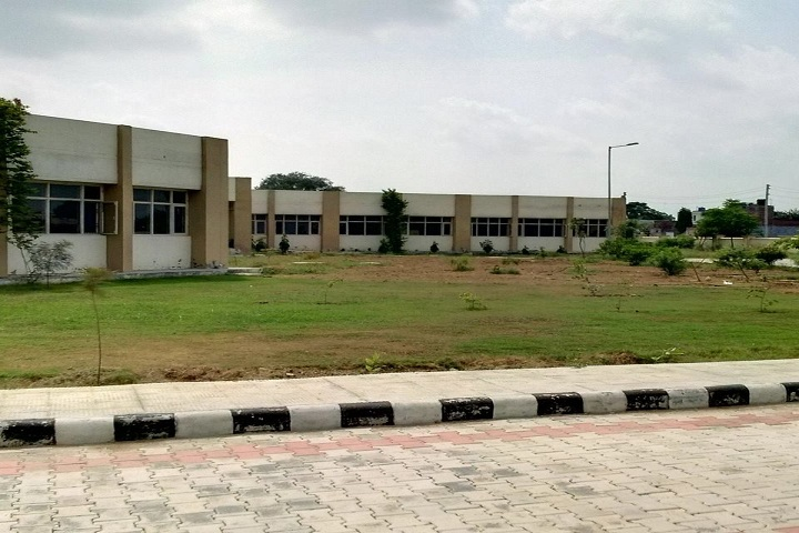 https://cache.careers360.mobi/media/colleges/social-media/media-gallery/25283/2019/1/25/Campus view of University College Barnala_Campus-View.jpg