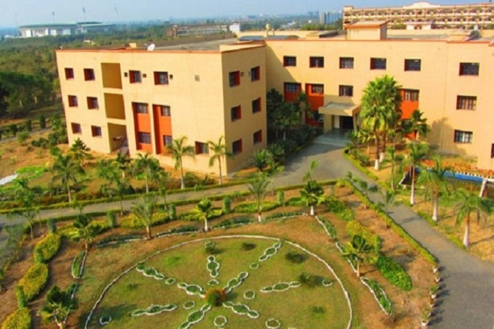 https://cache.careers360.mobi/media/colleges/social-media/media-gallery/2539/2018/10/30/Buliding of St Vincent Pallotti College of Engineering and Technology Nagpur_Campus-View.jpg