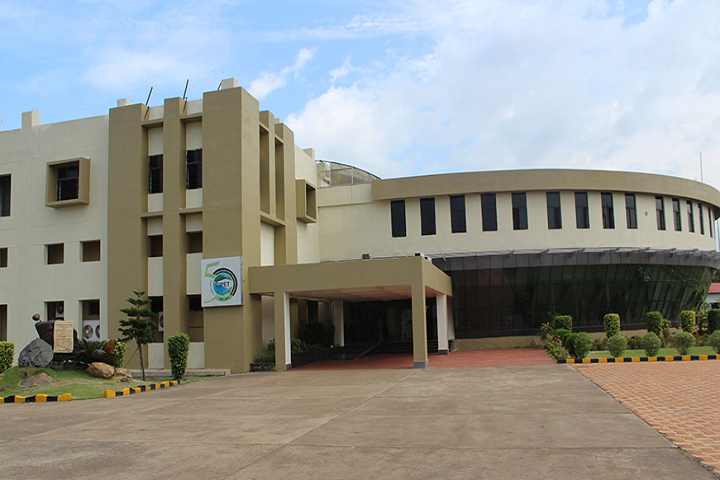 https://cache.careers360.mobi/media/colleges/social-media/media-gallery/25524/2019/9/20/Campus View of Centre for Skilling and Technical Support Central Institute of Plastics Engineering and Technology Balasore_Campus-View.png