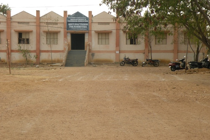 https://cache.careers360.mobi/media/colleges/social-media/media-gallery/25590/2020/2/17/College building of Government Polytechnic for Minorities Kurnool_Campus-View.jpg