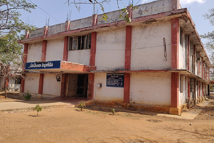 https://cache.careers360.mobi/media/colleges/social-media/media-gallery/25615/2020/2/19/Buliding of Government Polytechnic for Women Hindupur_Campus-view.png