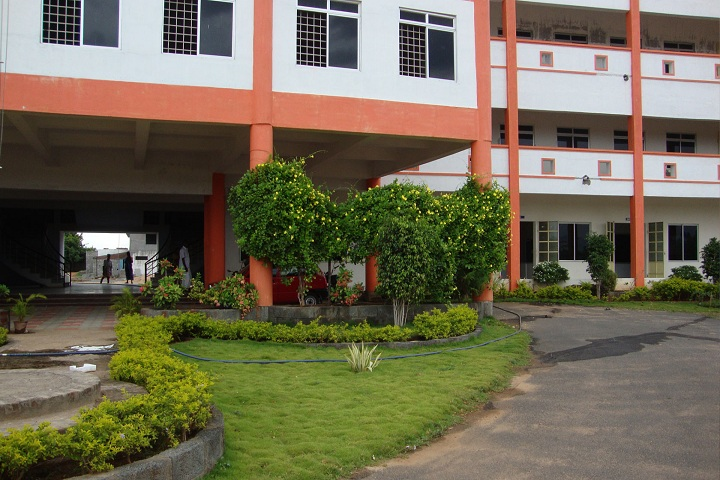 https://cache.careers360.mobi/media/colleges/social-media/media-gallery/25723/2019/9/30/Campus view of Maisurii Polytechnic College, Salem_Campus view.jpg