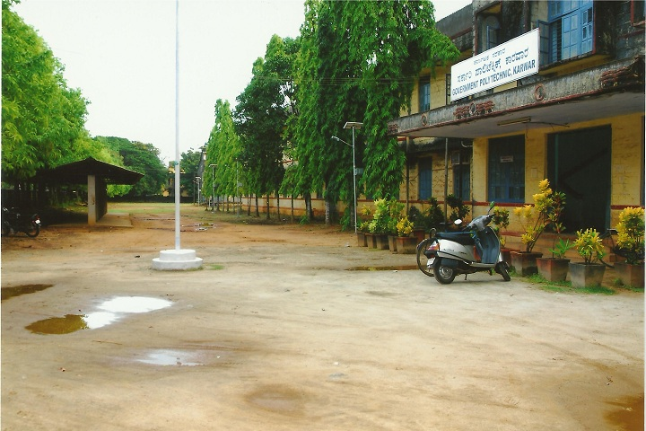https://cache.careers360.mobi/media/colleges/social-media/media-gallery/25816/2019/9/27/Campus view of Government Polytechnic Karwar_Campus-View.jpg