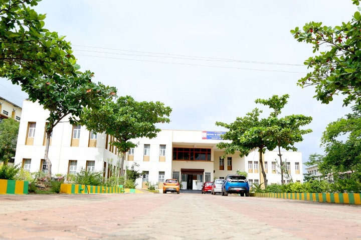 https://cache.careers360.mobi/media/colleges/social-media/media-gallery/25843/2019/10/5/Campus view BVV Sanghas Institute of Management Studies Bagalkot_Campus-View.jpg
