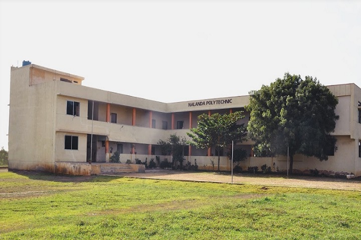 https://cache.careers360.mobi/media/colleges/social-media/media-gallery/25847/2020/9/26/Campus view of Nalanda Foundations Polytechnic Dharwad_Campus-View.jpg