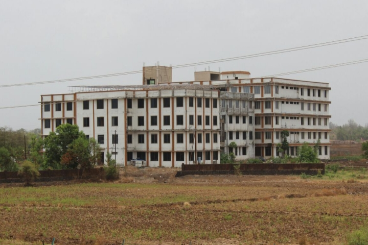 https://cache.careers360.mobi/media/colleges/social-media/media-gallery/2589/2019/3/18/Campus View of Yadavrao Tasgaonkar College of Engineering and Management Raigad_Campus-View.jpg