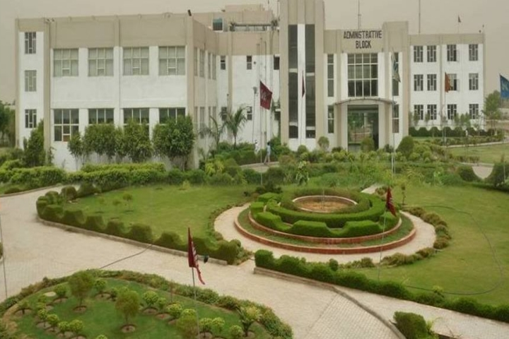 https://cache.careers360.mobi/media/colleges/social-media/media-gallery/2591/2018/11/3/Campus View of World Institute of Technology Gurgaon_Campus-View.jpg