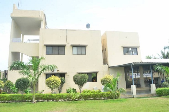 https://cache.careers360.mobi/media/colleges/social-media/media-gallery/25997/2020/2/12/Campus Side View of Shree Dhanvantary College of Post Graduate Business Management Surat_Campus-View.png