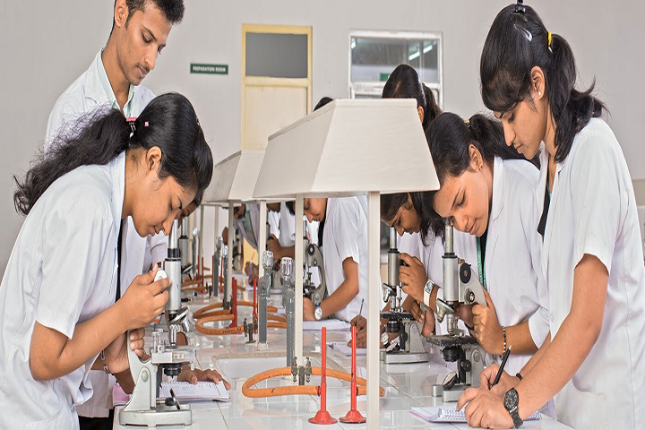 https://cache.careers360.mobi/media/colleges/social-media/media-gallery/26099/2019/9/27/Laboratory of Babu Yugraj Singh Pharmacy College Lucknow_Laboratory.png