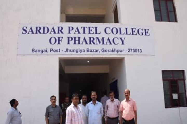 https://cache.careers360.mobi/media/colleges/social-media/media-gallery/26173/2020/2/14/Front view of Sardar Patel College of Pharmacy Gorakhpur_Campus-View.jpg