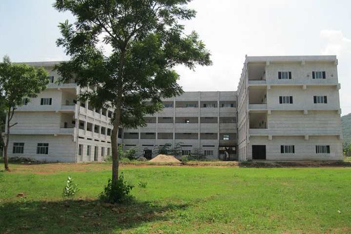 https://cache.careers360.mobi/media/colleges/social-media/media-gallery/2624/2018/9/27/Main campus view of Nadimpalli Satyanarayana Raju Institute of Technology Visakhapatnam_campus-view.jpg