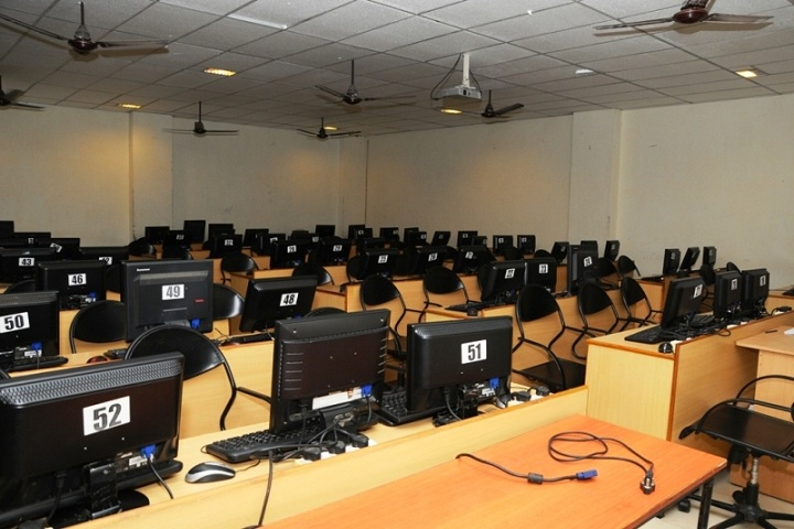 https://cache.careers360.mobi/media/colleges/social-media/media-gallery/2626/2020/12/2/IT Lab of Viswanadha Institute of Technology and Management Visakhapatnam_IT-Lab.jpg