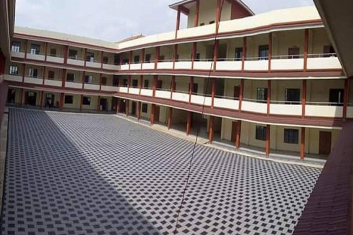 https://cache.careers360.mobi/media/colleges/social-media/media-gallery/26469/2019/10/18/Campus View of Government Polytechnic College Vechoochira_Campus View.jpg