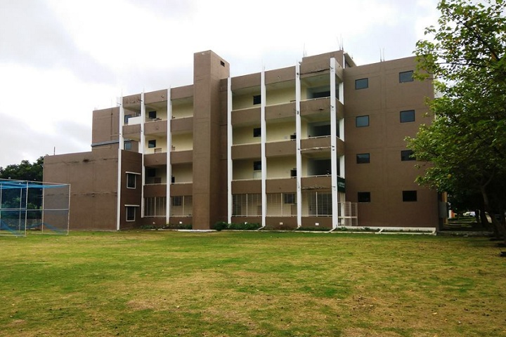 https://cache.careers360.mobi/media/colleges/social-media/media-gallery/26508/2020/2/11/Campus view of Corporate Institute of Pharmacy Bhopal_Campus-View.jpg