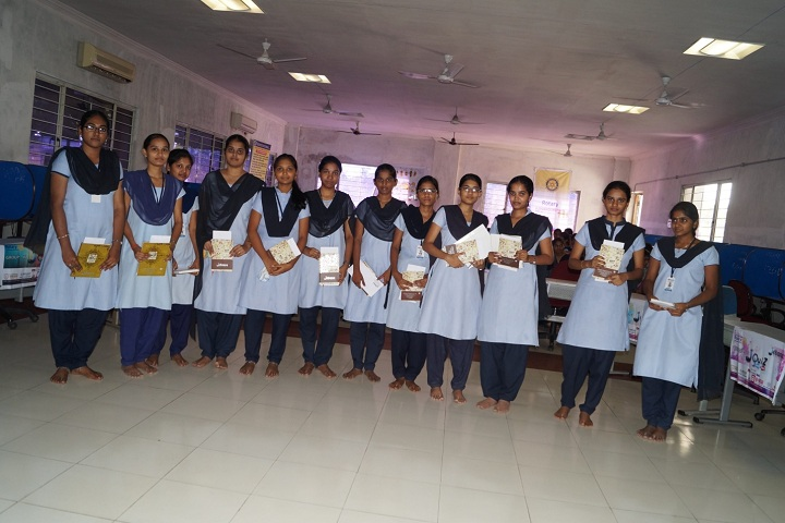 https://cache.careers360.mobi/media/colleges/social-media/media-gallery/2653/2019/3/29/Group Photo of Vijaya Institute of Technology for Women Vijayawada_Others.jpg