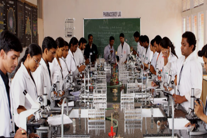https://cache.careers360.mobi/media/colleges/social-media/media-gallery/26557/2019/10/21/Laboratory of Kadam College of Pharmacy Aurangabad_Laboratory.png