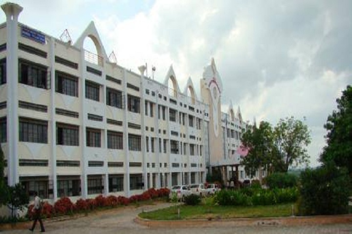 https://cache.careers360.mobi/media/colleges/social-media/media-gallery/26630/2019/10/24/Campus View of Shri Vithal Education and Research Institutes College of Engineering Polytechnic Pandharpur_Campus View.jpg