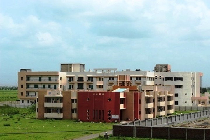 https://cache.careers360.mobi/media/colleges/social-media/media-gallery/2671/2018/10/13/Campus View of Vidyabharti Trust Institute of Technology and Research Centre Surat_Campus-View.jpg