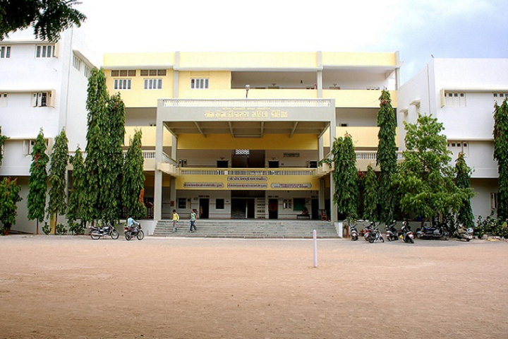 https://cache.careers360.mobi/media/colleges/social-media/media-gallery/26720/2019/11/7/Campus View of Shri MM Ghodasara Mahila Arts and Commerce College Junagadh_Campus-View.png