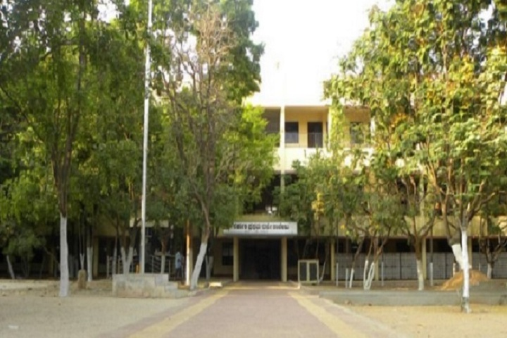 https://cache.careers360.mobi/media/colleges/social-media/media-gallery/26739/2019/11/7/Campus view of Government First Grade College KR Puram_Campus-View.jpg