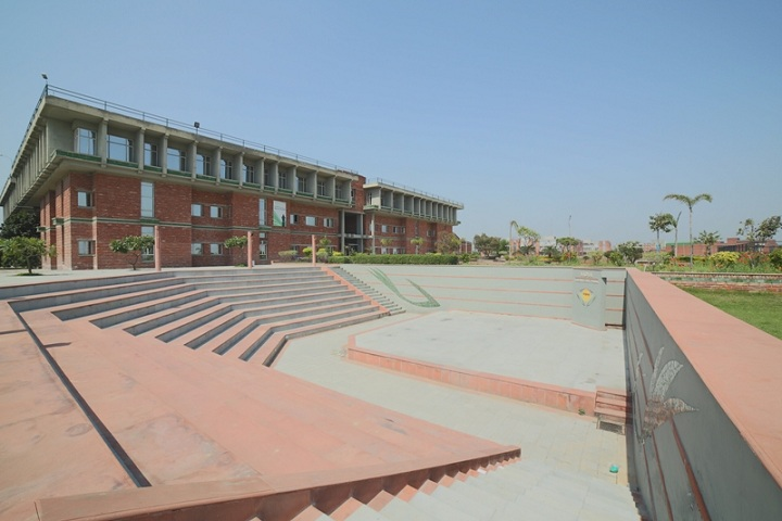 https://cache.careers360.mobi/media/colleges/social-media/media-gallery/2681/2019/3/26/Campus view of Vidya College of Engineering Meerut_Campus-view.jpg