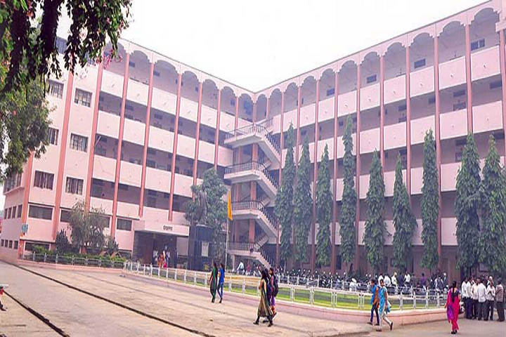 https://cache.careers360.mobi/media/colleges/social-media/media-gallery/26813/2019/11/13/Campus View of Zulal Bhilajirao Patil College Dhule_Campus-View.png