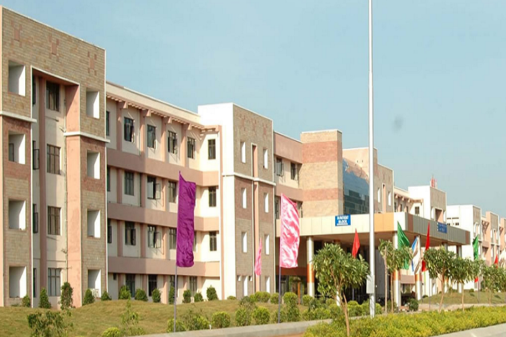 https://cache.careers360.mobi/media/colleges/social-media/media-gallery/26946/2019/11/19/Campus View of Sri Sarada College of Nursing Kadapa_Campus-View.png