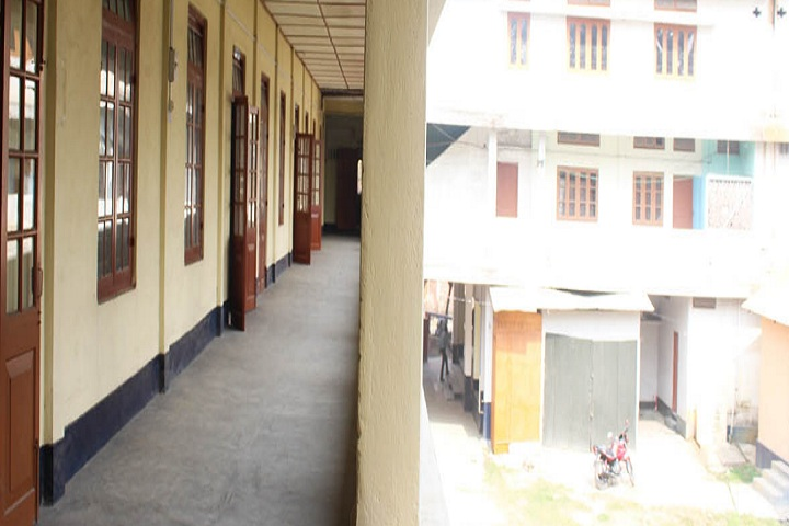 https://cache.careers360.mobi/media/colleges/social-media/media-gallery/27041/2019/11/21/Campus view Inside of Nowgong Law College Nagaon_Campus-View.jpg