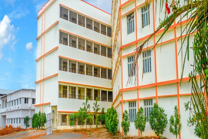https://cache.careers360.mobi/media/colleges/social-media/media-gallery/2735/2018/10/1/Campus view of Usha Rama College of Engineering and Technology Krishna_Campus-view.jpg