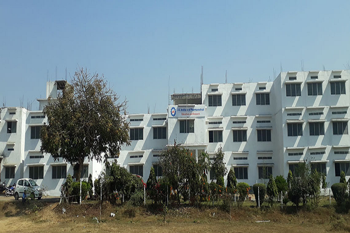 https://cache.careers360.mobi/media/colleges/social-media/media-gallery/27475/2019/12/21/Campus View of JK Institute of Pharmaceutical Education and Research Bilaspur_Campus-View.png