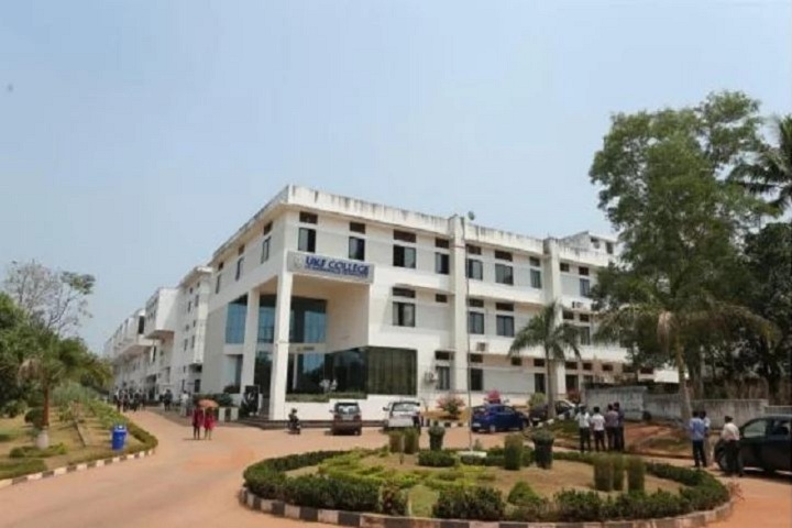 https://cache.careers360.mobi/media/colleges/social-media/media-gallery/2755/2019/2/20/Campus View of UKF College of Engineering and Technology Kollam_Campus-View.JPG