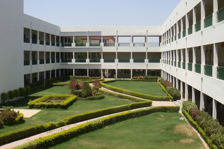 https://cache.careers360.mobi/media/colleges/social-media/media-gallery/2763/2018/9/27/Main Campus view of Sagar Institute of Research and Technology Indore_Campus-view.jpg