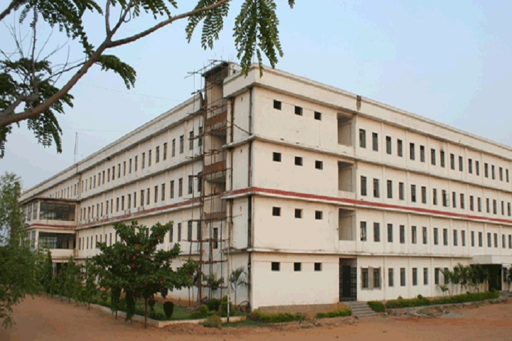 https://cache.careers360.mobi/media/colleges/social-media/media-gallery/2765/2019/1/16/Campus View of TRR Engineering College Patancheru_Campus-View.jpg