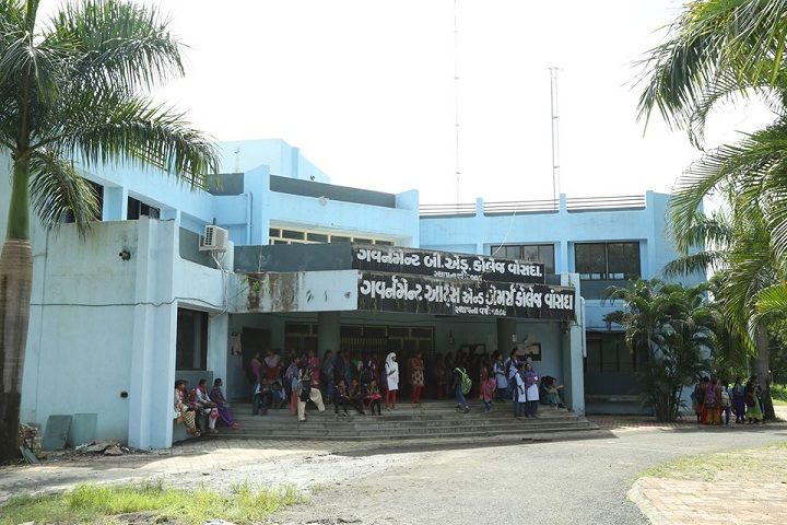 https://cache.careers360.mobi/media/colleges/social-media/media-gallery/27657/2020/2/11/Campus view of Government Arts and Commerce College Vansda_Campus-view.jpg