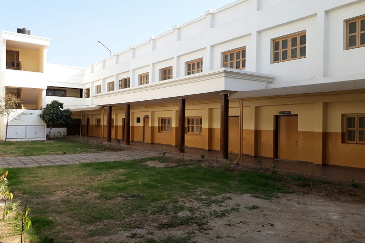https://cache.careers360.mobi/media/colleges/social-media/media-gallery/27677/2020/3/2/Campus Inside View of Vimal Tormal Poddar Commerce College Surat_Campus-View.png