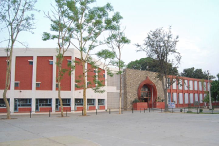 https://cache.careers360.mobi/media/colleges/social-media/media-gallery/27712/2020/4/17/Campus View of Institute of Integrated Honors Studies Kurukshetra_Campus-view.png
