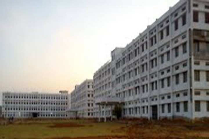 https://cache.careers360.mobi/media/colleges/social-media/media-gallery/2772/2018/9/15/Campus View of Trinity College of Engineering and Technology  Peddapalli_Campus-View.jpg