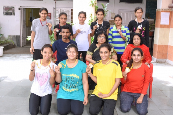 https://cache.careers360.mobi/media/colleges/social-media/media-gallery/27727/2020/3/11/Students of Maharaja Agrasen PG College for Women Jhajjar_Others.png