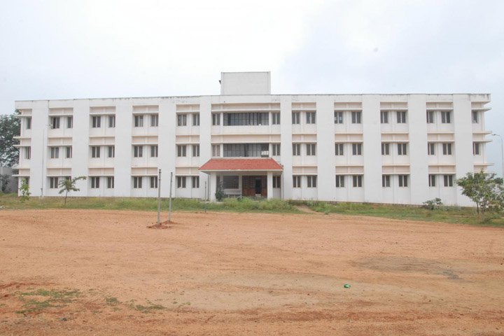 https://cache.careers360.mobi/media/colleges/social-media/media-gallery/2785/2019/1/6/Campus View of Theni Kammavar Sangam College of Technology Theni_Campus View.JPG