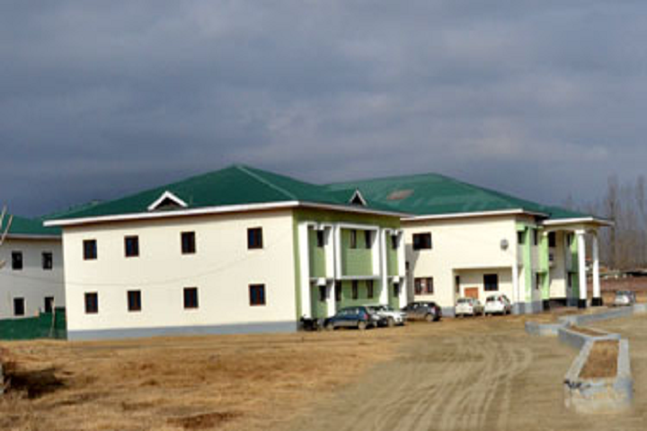 https://cache.careers360.mobi/media/colleges/social-media/media-gallery/28000/2019/12/30/Campus View of Government Polytechnic College Budgam_Campus-View.png