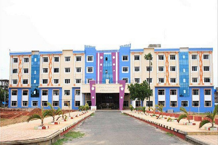 https://cache.careers360.mobi/media/colleges/social-media/media-gallery/2810/2019/3/20/Campus View of Teegala Krishna Reddy Engineering College Hyderabad_Campus-View.jpg