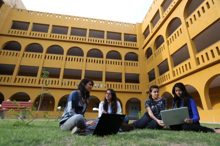 https://cache.careers360.mobi/media/colleges/social-media/media-gallery/282/2017/12/1/Manipal-University-Jaipur6.jpg