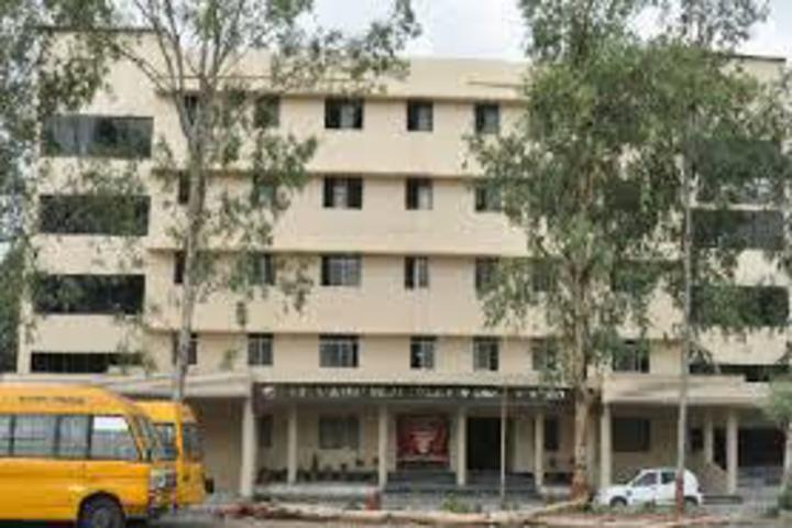 https://cache.careers360.mobi/media/colleges/social-media/media-gallery/2833/2018/10/11/Campus view of Smt Rajshree Mulak College of Engineering for Women Nagpur_Campus-View.jpg