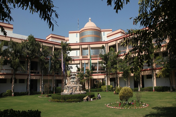 https://cache.careers360.mobi/media/colleges/social-media/media-gallery/2854/2019/3/26/Campus view of Swami Devi Dyal Institute of Engineering and Technology Panchkula_Campus-view.jpg