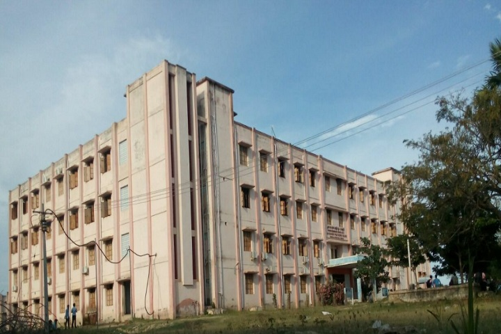 https://cache.careers360.mobi/media/colleges/social-media/media-gallery/28563/2020/2/13/Campus view of Government Polytechnic College Thiruvarur_Campus-View.jpg