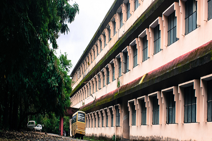 https://cache.careers360.mobi/media/colleges/social-media/media-gallery/28704/2020/2/12/Campus View of EK Nayanar Memorial Government College Elerithattu_Campus-View.png