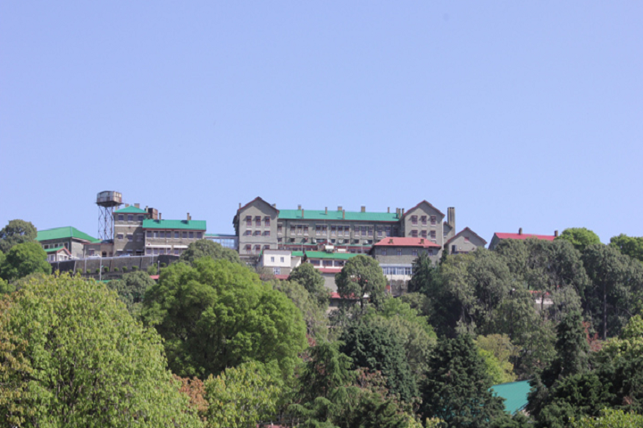 https://cache.careers360.mobi/media/colleges/social-media/media-gallery/28815/2020/3/17/Campus-View of Central Research Institute Kasauli_Campus-View.png